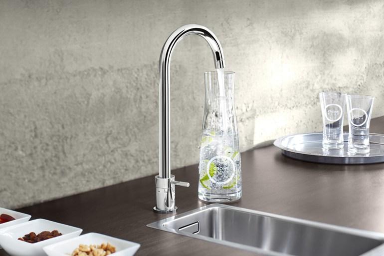 ухонный кран с подачей питьевой воды
