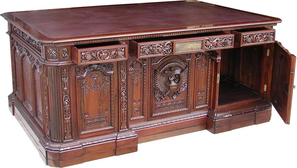 Стол РЕЗОЛЮТ (Resolute desk)