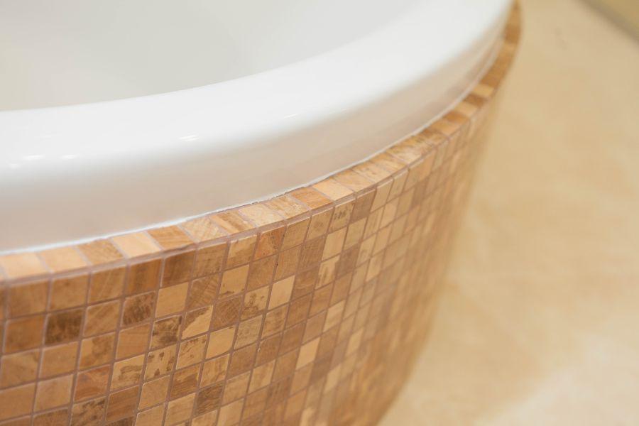 облицовка экрана ванны мозаикой