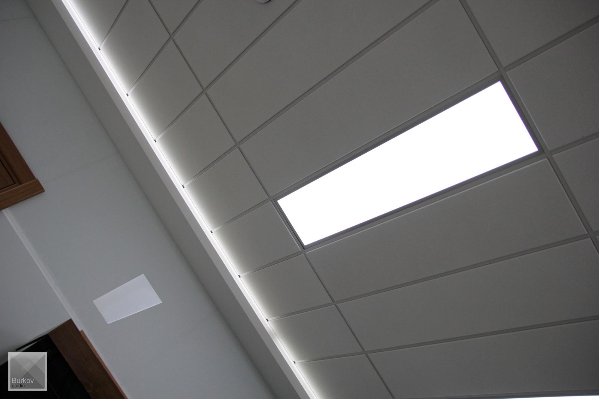 Фото приемной потолок Armstrong